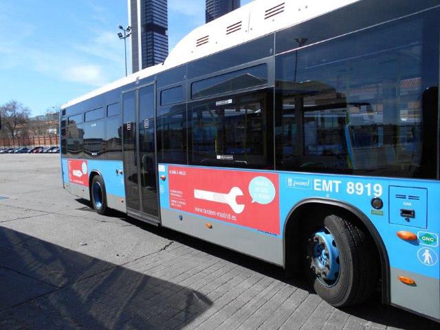 bus-tandem-mar15c