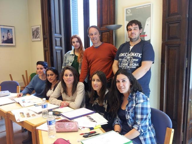 Los cursos intensivos de verano de alemán y de inglés empiezan a primeros de julio.