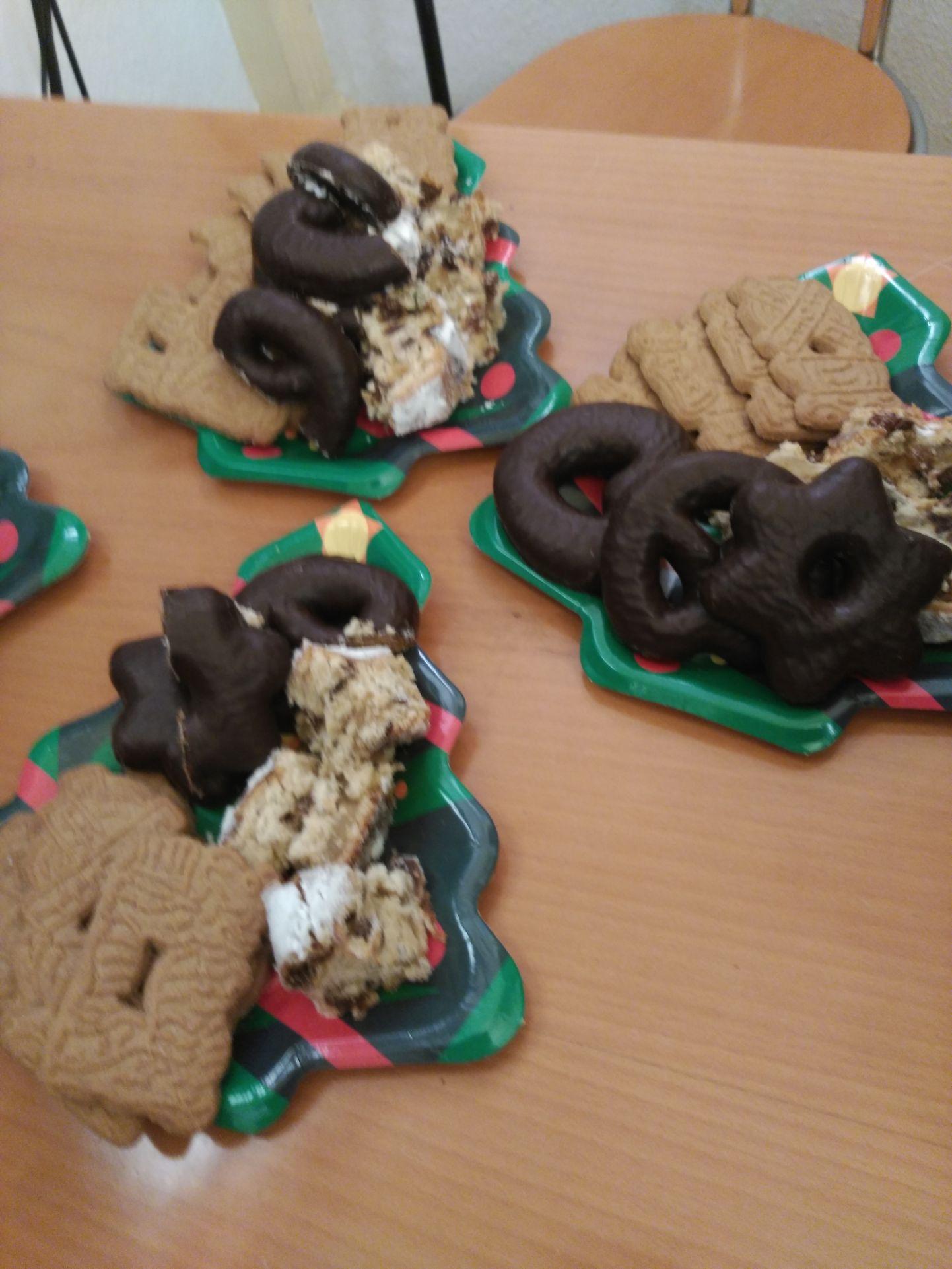 Un platillo con las delicias navideñas alemanas que servimos a nuestros estudiantes en los cursos de alemán en TANDEM Madrid